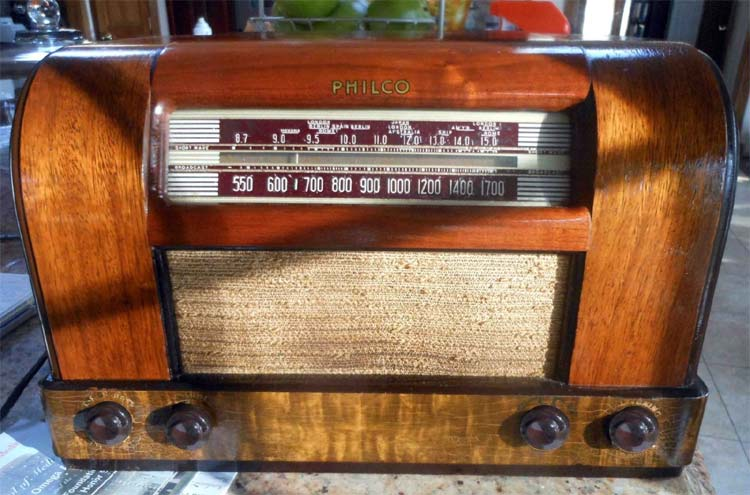 flea market pick ups  Philco-42-340